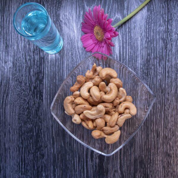 Ongezouten cashewnoten